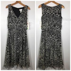 NWT Black and White Geometric Aztec Pattern Dress